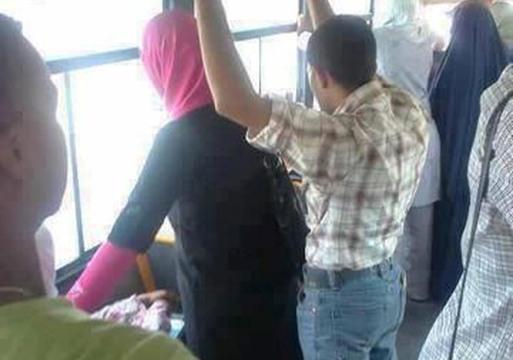 التحرش الجنسي في وسائل المواصلات
