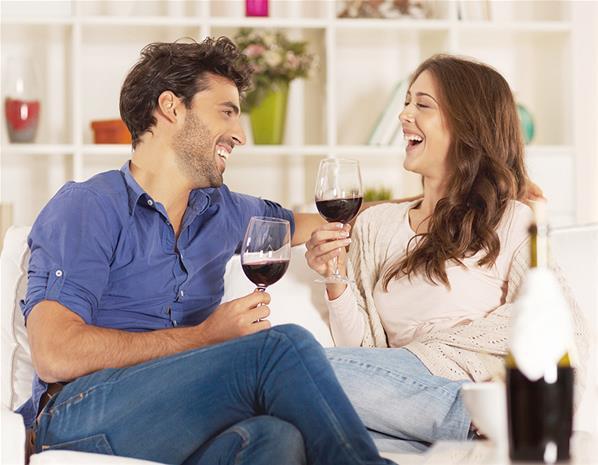 زوج مرح + زوجة مرحة = سعادة زوجية