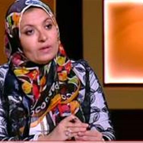 بالفيديو.. فتاة لـ«هبة قطب»:فقدت عذريتي خارج مصر ومفيش حد عايز يتجوزني